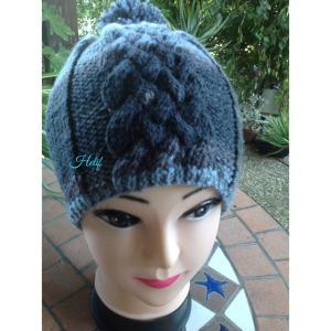 chapeau-bonnet-mixte-bleu-et-gris-chamoni-18843257-image-jpeg-07107101-91b14_570x0