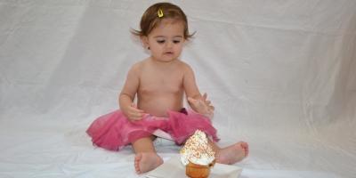 Ellia smash the cake